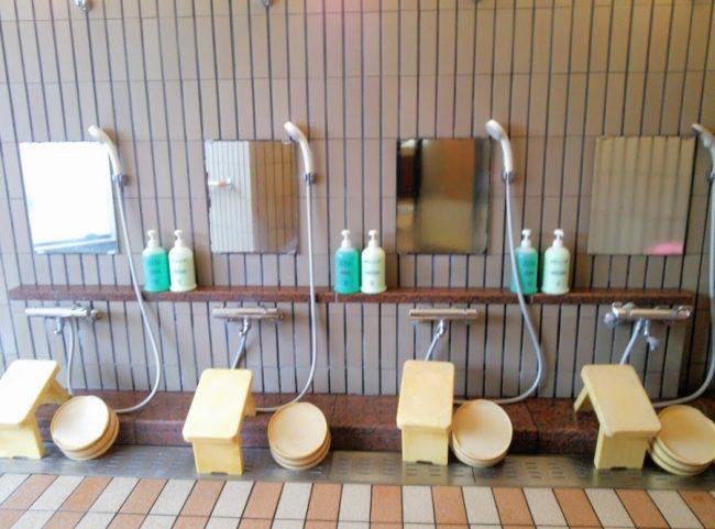 洗い場は少し狭め
