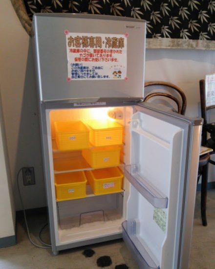冷やしたいものは廊下にある共同の冷蔵庫へ